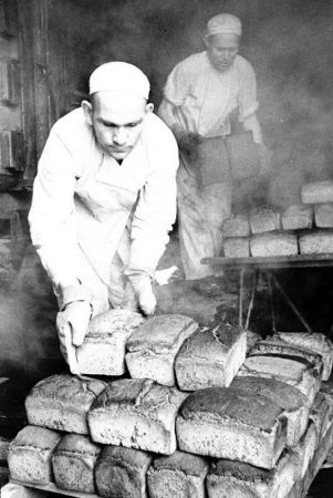 Сеитумер Харакчи кормил бойцов хлебом