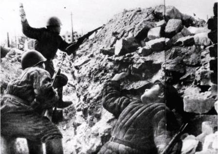Максут Люманов забросал фашистов гранатами