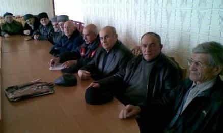 Совет старейшин крымских татар города Алушты обратился к Президенту РФ