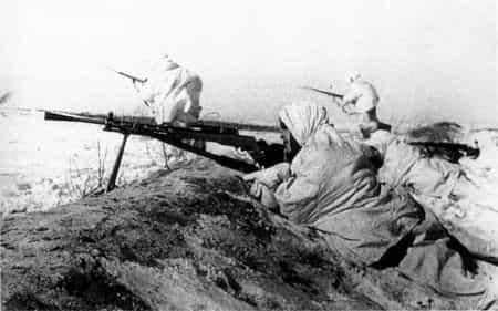 Ваит Мамбетов втретил фашистов ружейным огнем
