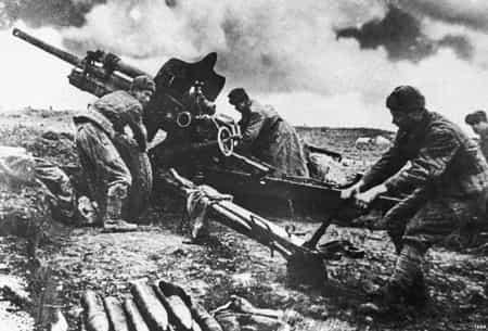 Сейтхалиль Усейнов расстреливал танки прямой наводкой