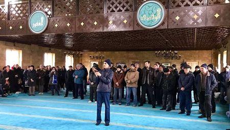Крымские татары объявили массовую голодовку до встречи с Президентом