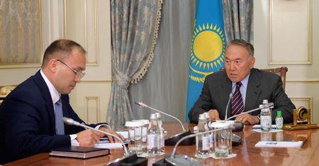 Нурсултан обязал заседать на казахском