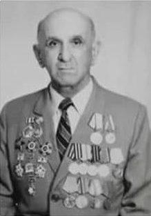 Али Девлетов служил начальником рации