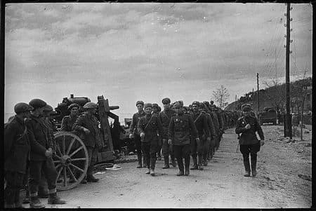 Весной 1944 освободили Крым