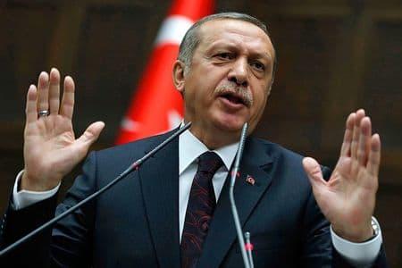 Турции чужих земель не надо