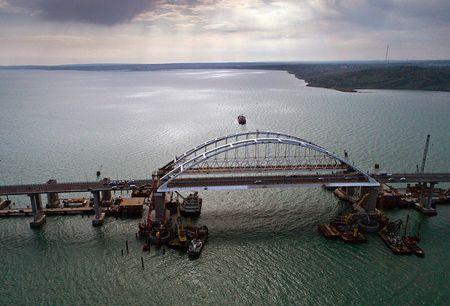 Крымский мост перед запуском