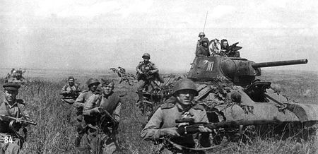 Вели Тимуршаев отвечал за связь в танковом корпусе