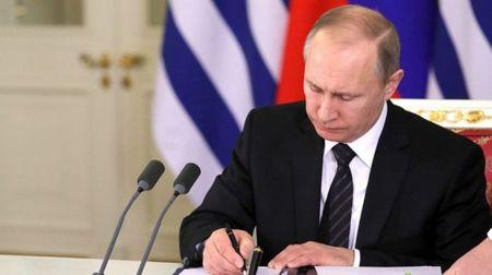 Путин поручил обеспечить Крым устойчивым энергоснабжением