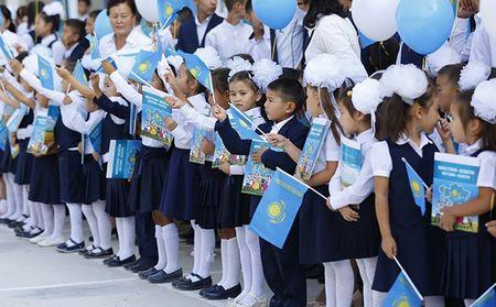 В школы Казахстана будут принимать с пяти лет