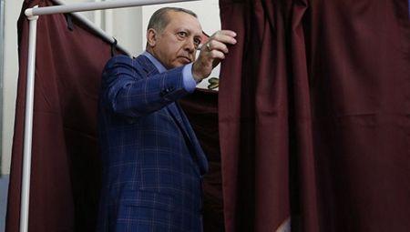Зачем Эрдогану двойные выборы
