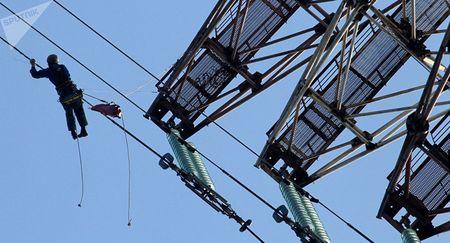 Азербайджан начал поставки электроэнергии в Иран