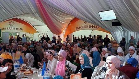 В Москве прошел ифтар крымских татар