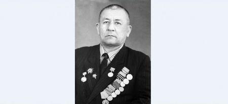 Азиз Абдурашидов провел свою машину от Орла до Берлина