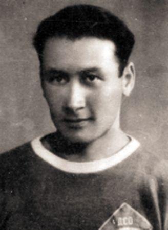 После войны Шихрази Феттаев обосновался в Запорожье. Играл в футбол.
