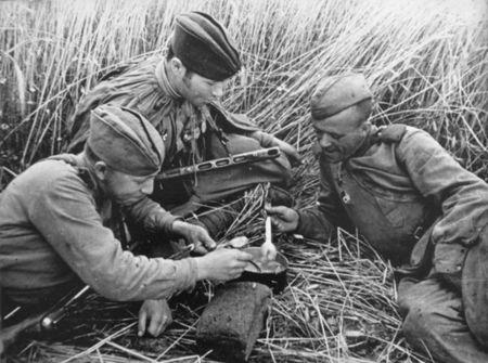 Ахтем Тахтаров доставлял бойцам горячую пищу
