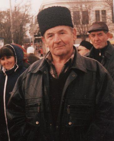 Ибраим Куртосманов на митинге 18 октября 2004 г.