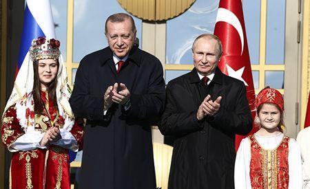 Запад пытается воссоздать Византию