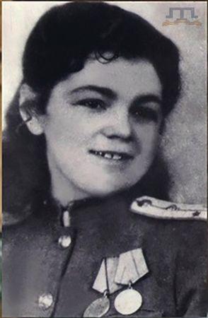Нурзаде Аширова спасала раненых бойцов и офицеров