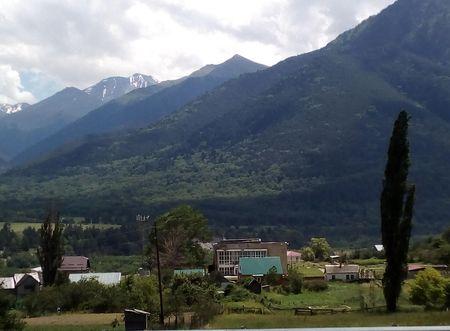 Северная часть города с видом на северный склон горы Кёльбаши и часть долины Джемагат