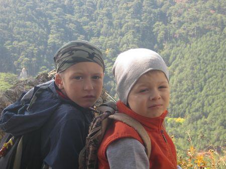 Друг Володя и Асан-акай в экспедиции по осеннему лесу. Начало пути.