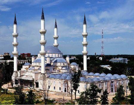 В Бишкеке открыли Центральную мечеть