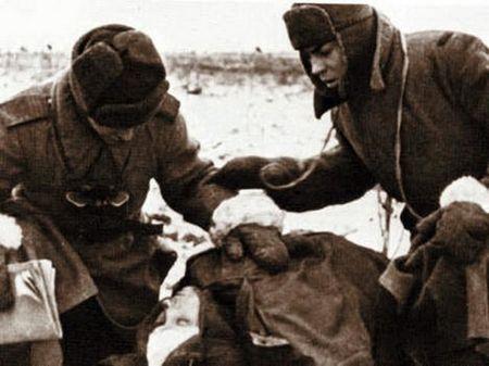 Фетта Билялов выносил с поля боя раненых бойцов и командиров