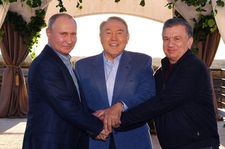В Сарыагаше прошла встреча трех президентов