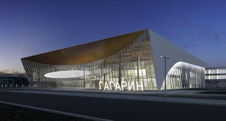 Во-вторых, практика применения имен известных людей в качестве собственного имени аэропорта достаточно известна – парижский аэропорт «Шарль де Голль», аэропорт «Платов» в Ростове, аэропорт «Гагарин» в Саратове, аэропорт «Сент-Экзюпери» в Лионе…