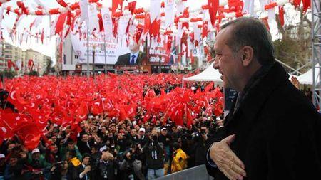 Турция будет и впредь защищать права крымских татар