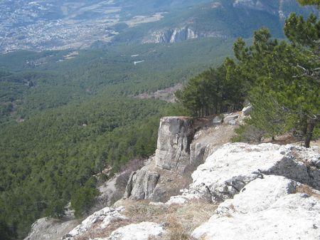 Вид на склон Никитского хребта и скалу Баланынъ къаясы над Айвасылом.