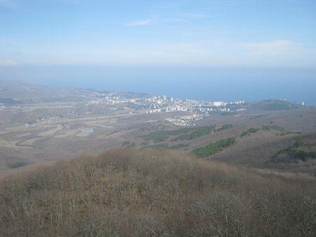 Вид Алушты с высоты 570 метров над уровнем моря