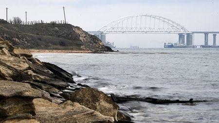 Керченский пролив теряет глубину