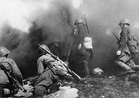 Аблатив Мамбетов выносил с поля боя раненых и погибших бойцов