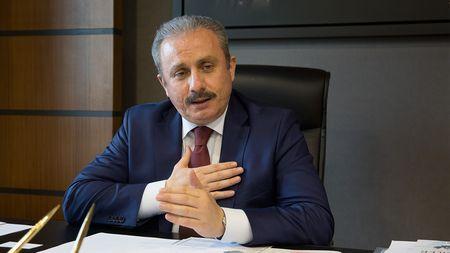 Мустафа Шентоп возглавил парламент Турции