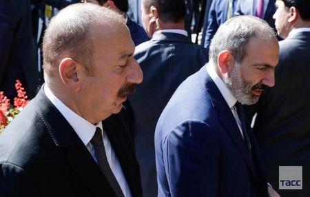 Карабах: Дело идет кмиру или квойне?..