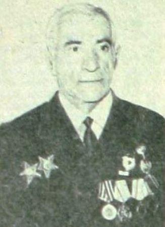 Эмирусеин Эмирсалиев уничтожил пулеметный расчет противника (2)