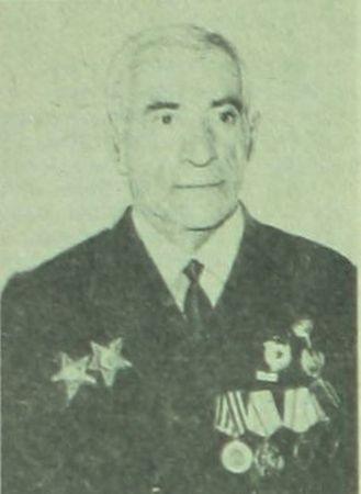 Эмирусеин Эмирсалиев уничтожил пулеметный расчет противника