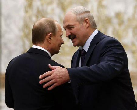 Почему Батька не признает Крым российским
