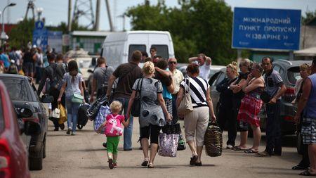 Теперь вся надежда на мигрантов?