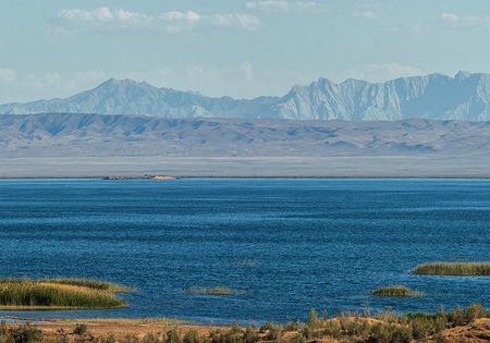 В узбекской пустыне есть «море» Айдаркуль и свой «Париж»