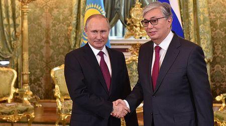 Президент Казахстана совершил официальный визит в Москву