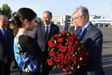 Глава Казахстана прибыл с государственным визитом в Узбекистан