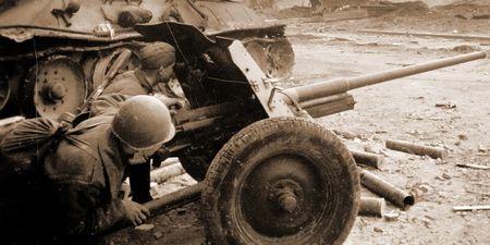 Мустафа Бекташ командовал расчетом 45-мм пушек