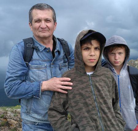Альмир Самадинов с сыном Эмиром и его другом-одноклассником Максимом