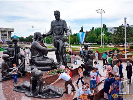 """Для многих Узбекистан стал """"страной спасения"""""""