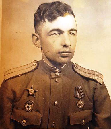 Шевки Аметов отличился в боях за Берлин (2)