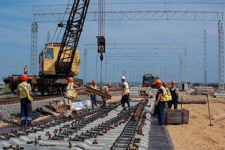Железная дорога озолотит Крым?