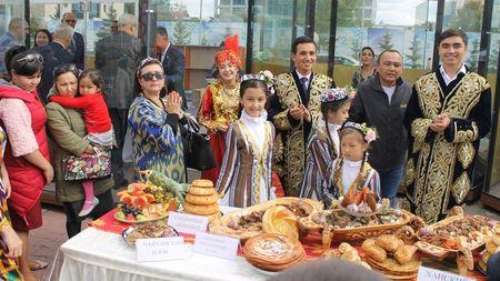 Сколько узбеков в Казахстане