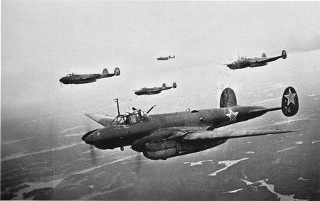 Лёман Эннанов летал на тяжелых бомбардировщиках
